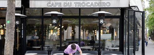 «Honneur aux restaurateurs, aux cuisiniers, aux barmen, aux serveurs!»