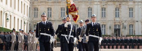 Les écoles de Saint-Cyr regroupées pour devenir une académie militaire