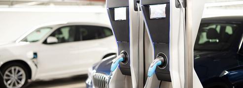 Véhicules électriques: bornes de recharge publiques, un retard insurmontable?