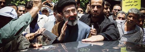 Iran: comment l'entourage du guide suprême et les gardiens de la révolution ont repris en main l'appareil d'État