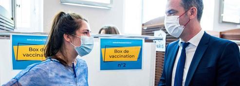 Faut-il obliger les soignants à se vacciner contre le Covid?