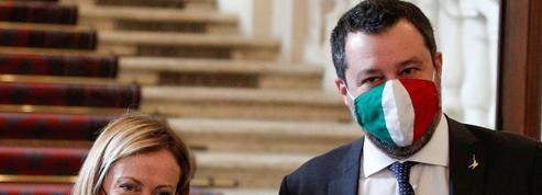 Les droites italiennes à couteaux tirés