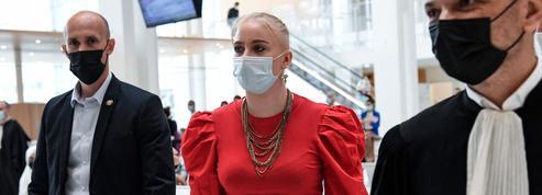 Au tribunal, Mila de nouveau face à ses cyberharceleurs