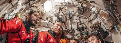 Plongée vers de mystérieux anneaux sous-marins
