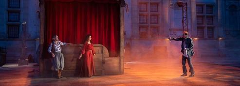 À Grignan, un Fracassant Fracasse au théâtre