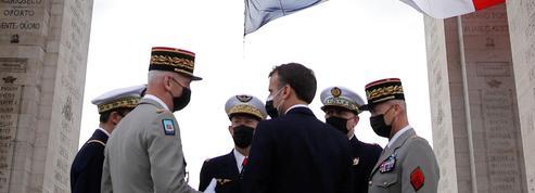 14 Juillet: Emmanuel Macron vante laqualitédeses relations aveclesmilitaires