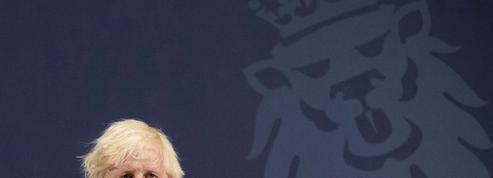 Fin des restrictions: Boris Johnson fait le pari du vaccin et de la liberté