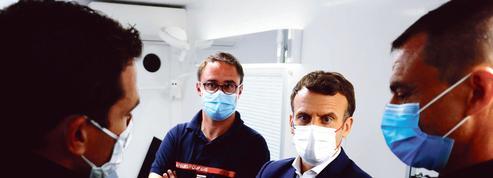 Emmanuel Macron prêt à assouplir le passe sanitaire pour accélérer la campagne de vaccination