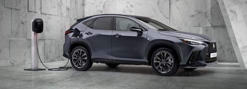 Lexus NX, la batterie se recharge sur le secteur