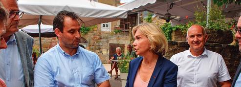 Présidentielle: Valérie Pécresse, en campagne, capitalise sur les anti-Bertrand