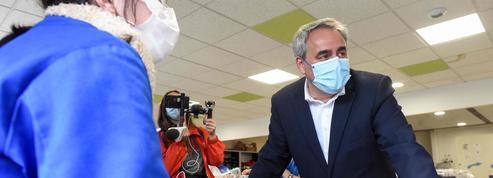 Présidentielle: loin des caméras, Xavier Bertrand poursuit son tour de France