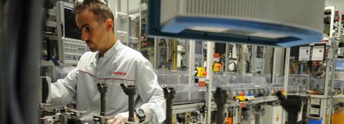 Véhicules électriques: une mue accélérée lourde de menaces sur l'emploi
