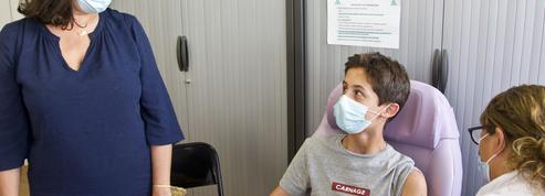 Covid-19: vacciner les adolescents pour éviter les fermetures de classe