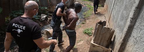 Plongée dans le chaudron de Mayotte, un département français en état d'urgence permanent