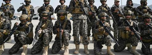 Les talibans font main basse sur l'arsenal laissé par les Américains
