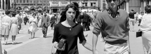 Belmondo en 1960: «Il n'est pas beau. Nonchalant et violent, voici Jean-Paul Belmondo.»