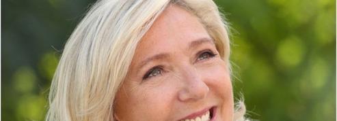 Présidentielle: Marine Le Pen s'affranchit du RN par son affiche et son équipe