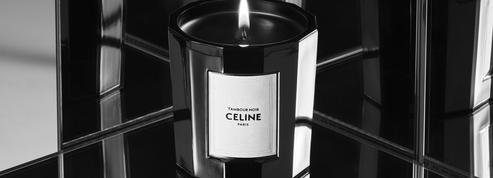 Avec des bougies parfumées, Celine déclare sa flamme