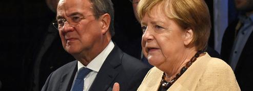 Merkel dans l'arène pour sauver son dauphin Laschet