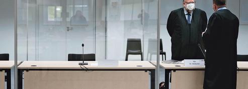 L'ex-secrétaire d'un camp de concentration devant ses juges