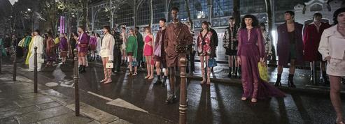 Avec Valentino et Lanvin, la mode est dans la rue