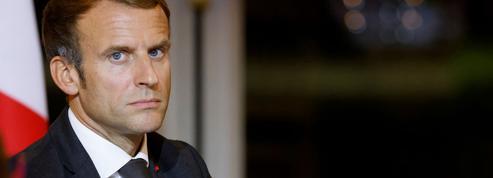 Présidentielle 2022: Emmanuel Macron garde un œil sur Éric Zemmour