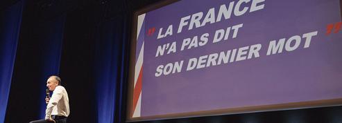 Présidentielle: Éric Zemmour investit le champ économique