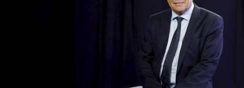 François Rebsamen fait un pas de plus vers la majorité présidentielle
