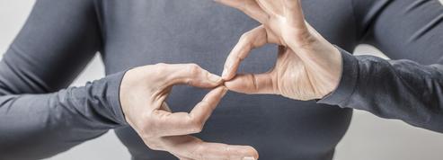 Carrefour forme 85.000 salariés à dire «oui» aux clients en langue des signes