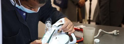 À Paris, SEB forme des réparateurs qui prolongent la vie du petit électroménager