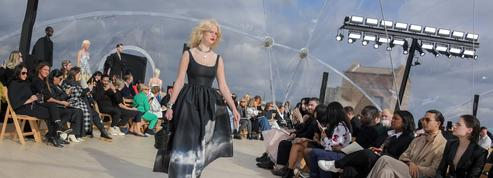 Mode: après vingt ans d'absence, le retour à Londres magistral d'Alexander McQueen