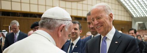 Au Vatican, l'ombre de l'avortement entre Joe Biden et le pape François