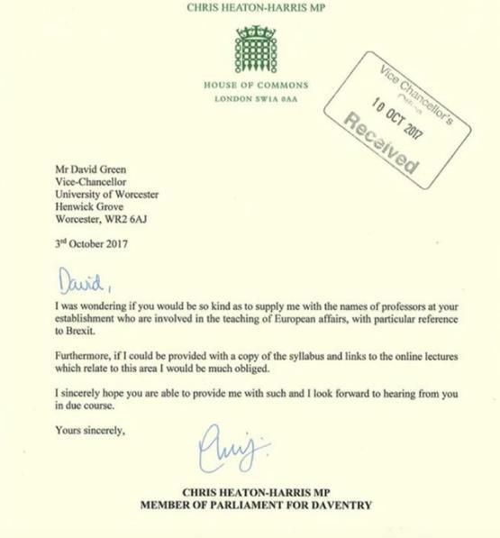 «La lettre reflète un passé de nature McCarthyste» déplore un prof de la LSE.