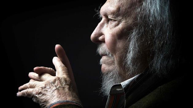 «Un homme des Lumières», «un trésor national»... Pluie d'hommages pour Alain Rey