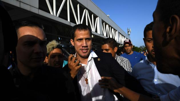 Le président intérimaire Juan Guaido de retour au Venezuela