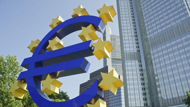 Baisse de l'euro face au dollar: ce que cela signifie pour l'économie et les citoyens européens