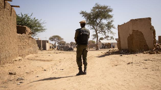 Questions après un massacre au Cameroun anglophone