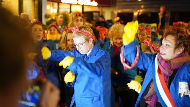 Flashmob devant l'Assemblée: «La bouffonnerie affaiblit la démocratie représentative»