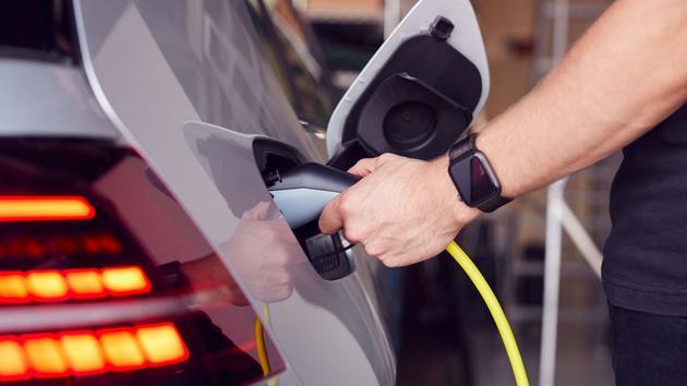 La deuxième vie des voitures thermiques encadrée par l'État