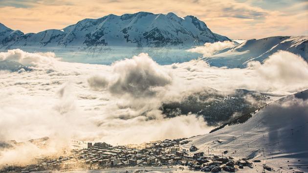 L'Alpe-d'Huez, une île dans les neiges de l'Oisans