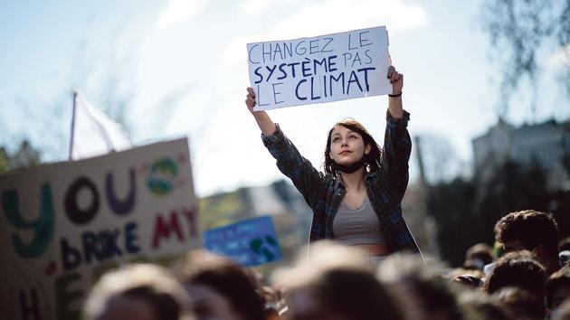 La majorité sous la pression des marches pour le climat