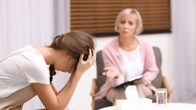 Le délicat accompagnement des jeunes en souffrance psychique