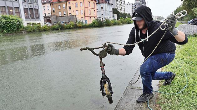 La pêche à l'aimant, la pratique écologique qui dépollue nos cours d'eau