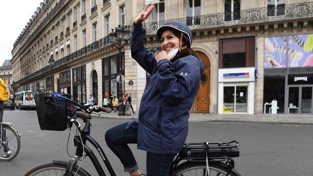 Vélo: Anne Hidalgo veut un Paris «100 % cyclable»