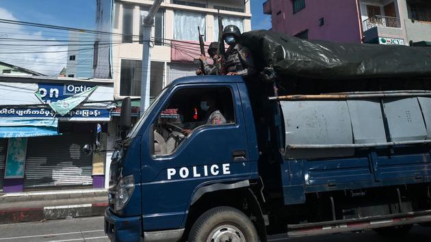 La Birmanie s'enfonce dans la guerre civile