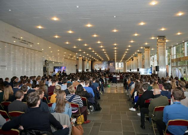 1200 étudiants ont participé à la conférence «Space Talk».
