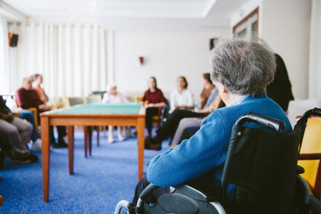 Le prix des maisons de retraite dépasse largement les pensions versées aux seniors