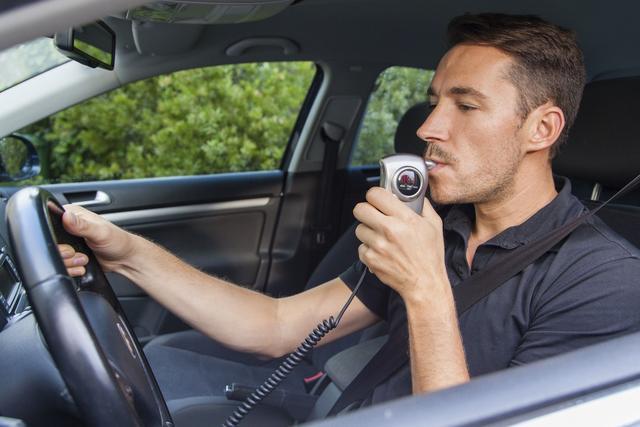 Le recours aux éthylotests anti-démarrage est étendu pour lutter contre l'alcool au volant