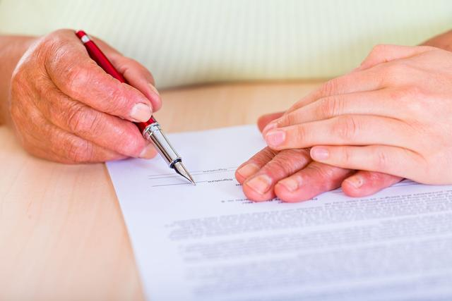 Un testament rédigé et signé par deux personnes n'est pas valable