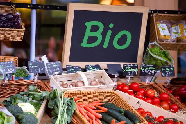 Manger bio diminue de 25 % le risque de cancer